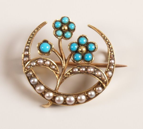 1016:  Ornate seed pearl and turquoise set crescent and