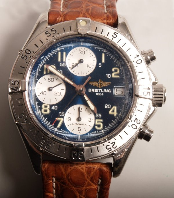 3006:  BREITLING - gentleman's chronograph Avenger with