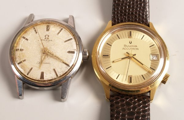 3012:  BULOVA - a gentleman's gold plated Accutron with