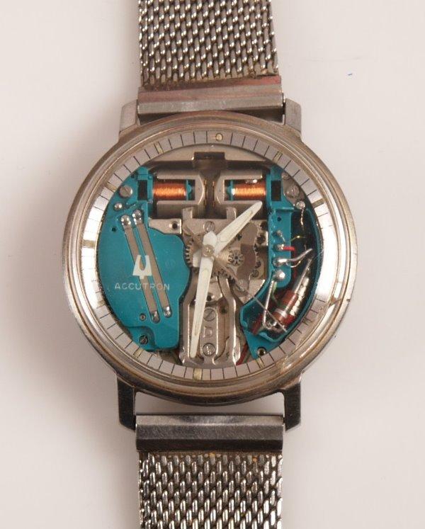 3015: BULOVA - a gentleman's stainless steel Accutron w