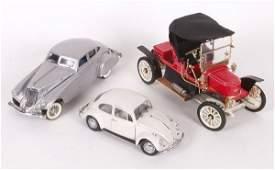 4199: Two Franklin Mint die cast model vehicl