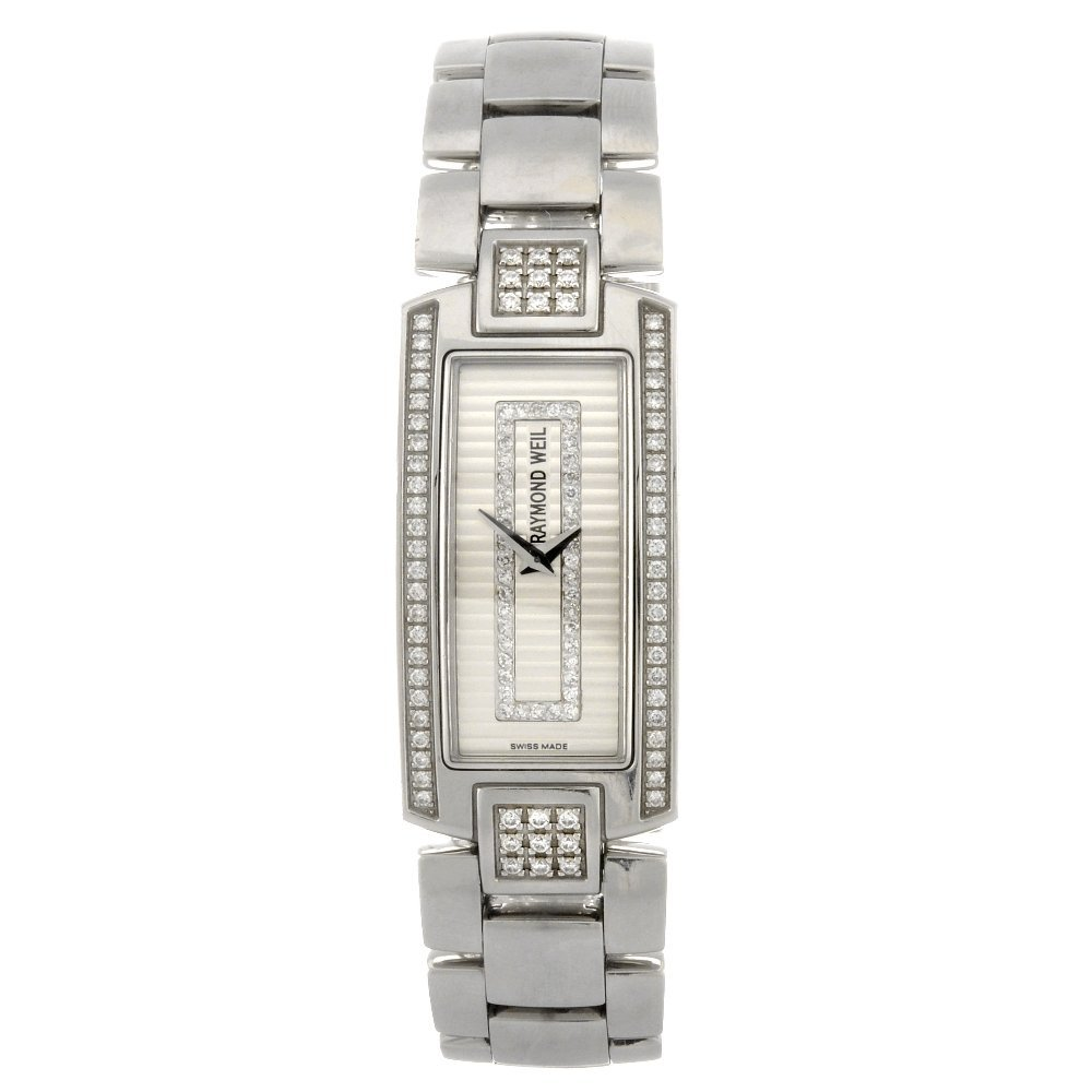 71: (811005253) A stainless steel quartz lady's Raymond