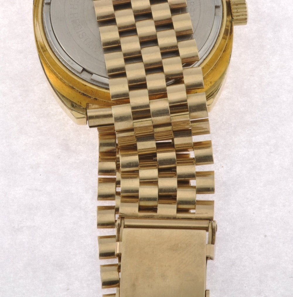 17: (043528) A gold plated electronic gentleman's Bulov - 4