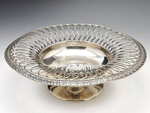 17: An Edwardian silver pedestal bowl.