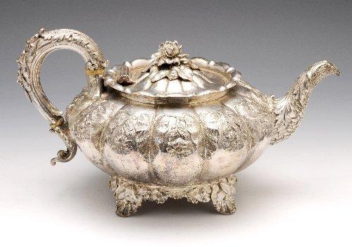 18: George IV silver teapot, London 1829, Barnard famil