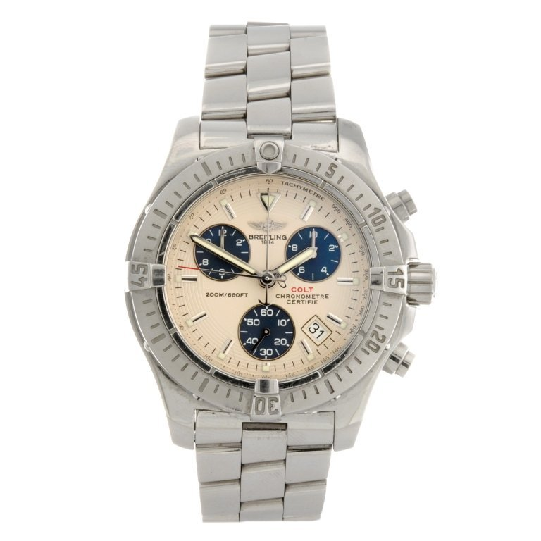 16: (307089253) A stainless steel quartz chronograph ge