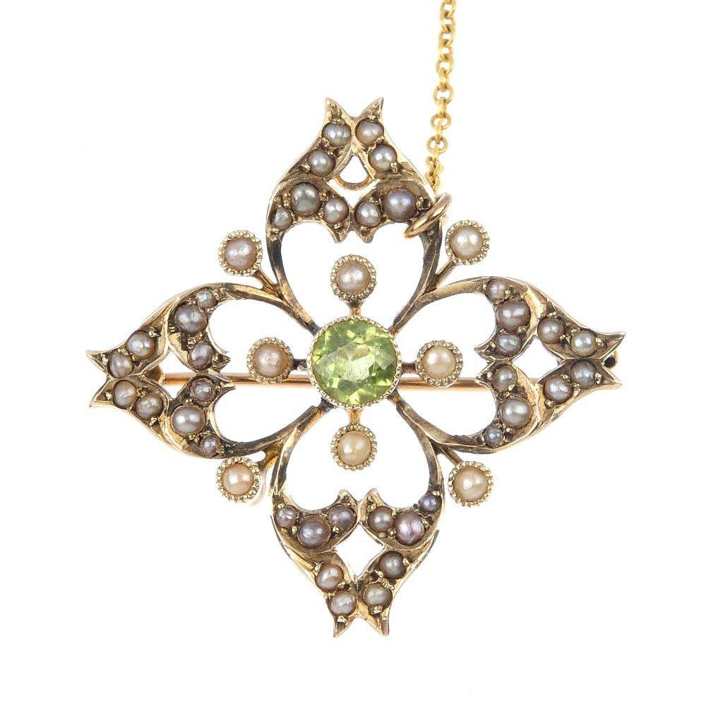 406: An Edwardian 9ct gold peridot and seed pearl brooc