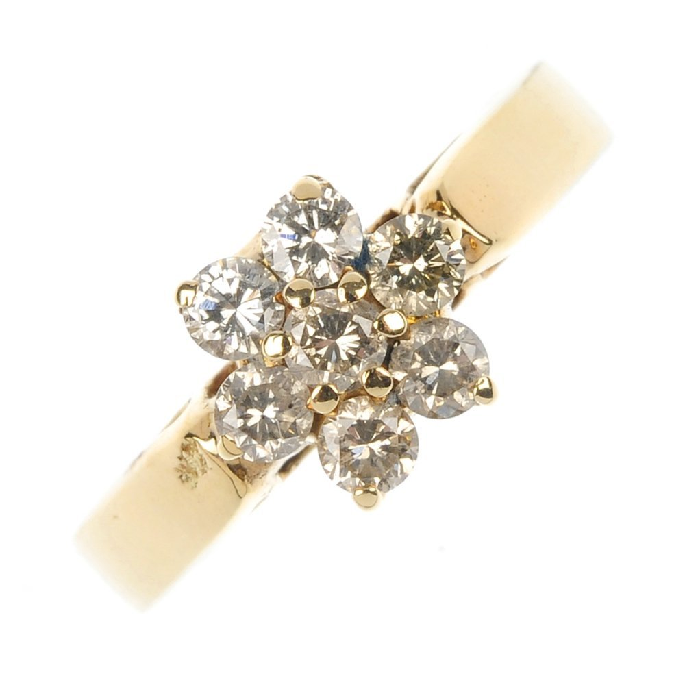 A 9ct gold diamond cluster ring.