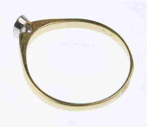 (88389) An 18ct gold diamond single-stone ring.