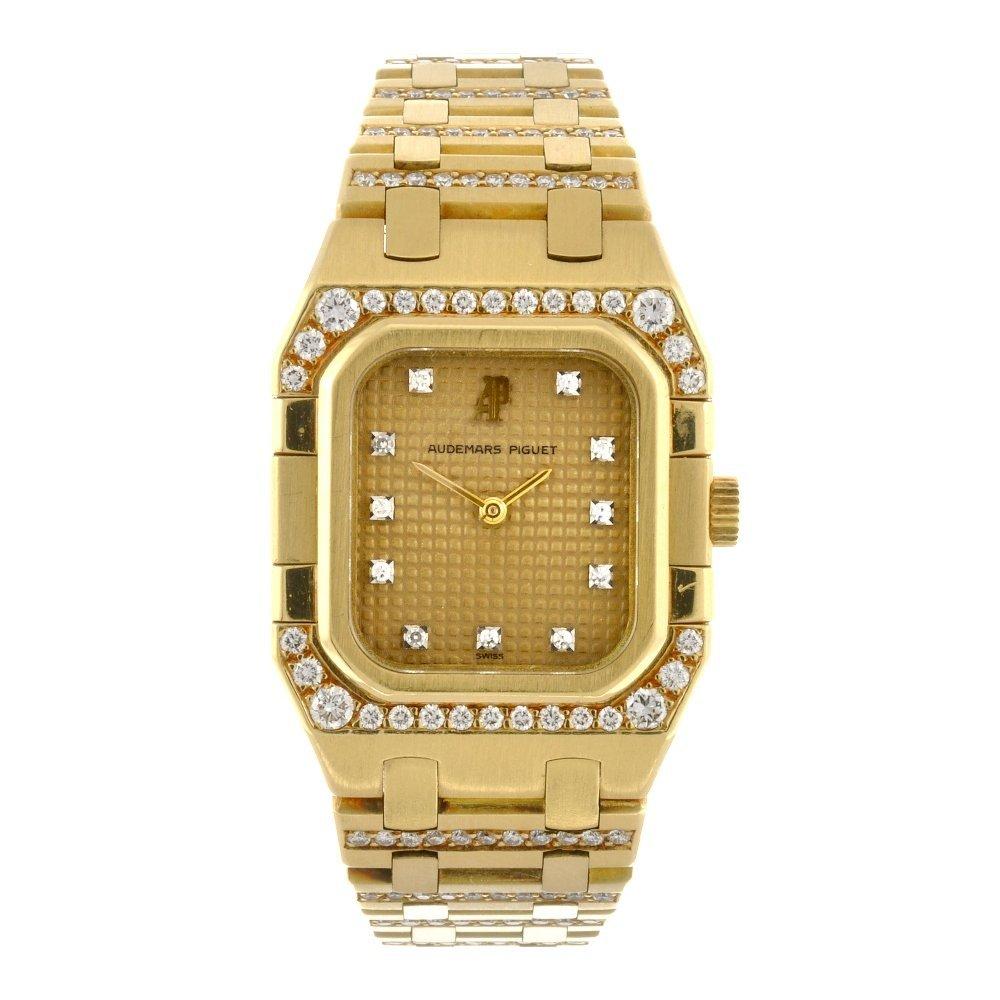 (75808) An 18k gold quartz lady's Audemars Piguet brace