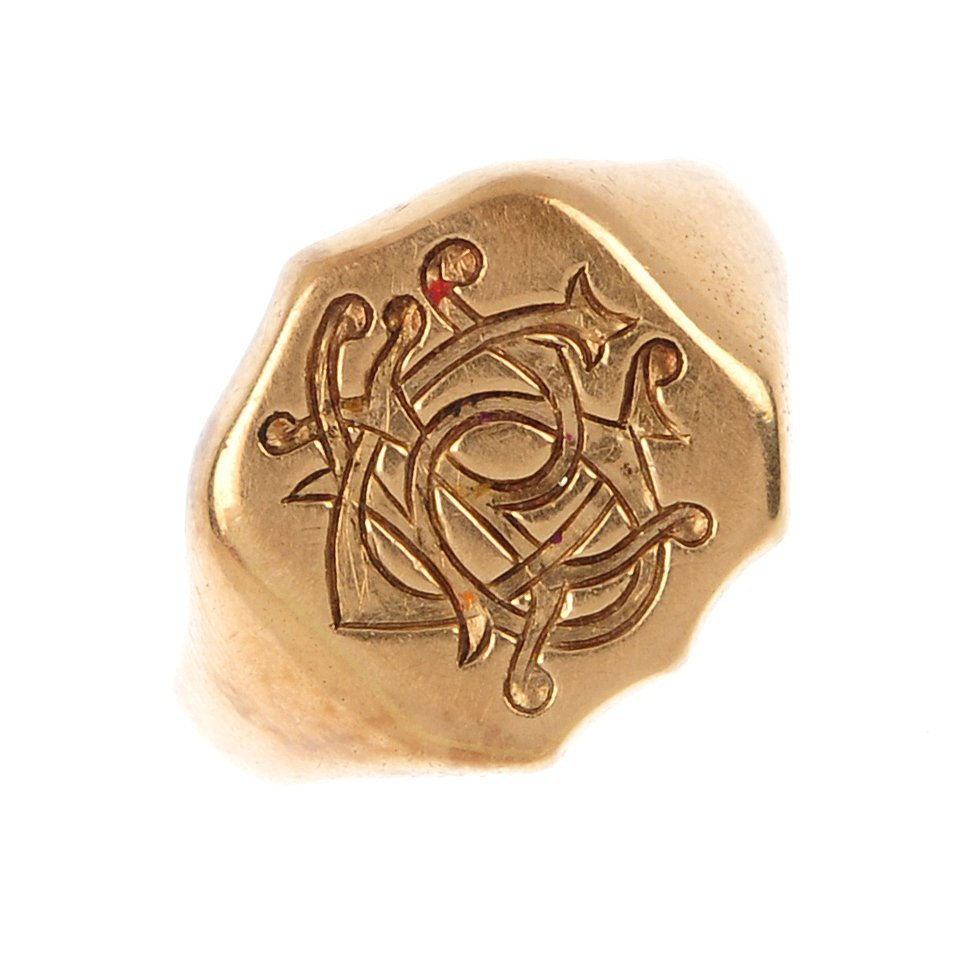 A late Victorian 15ct gold signet ring.