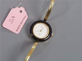 GUCCI - lady's gold plated 1100 series