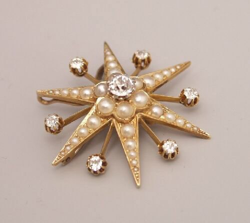 1023: Victorian 18ct gold diamond and pearl s