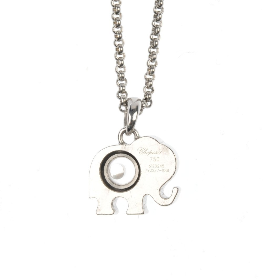 CHOPARD - a 'Happy Diamonds' elephant pendant. - 2