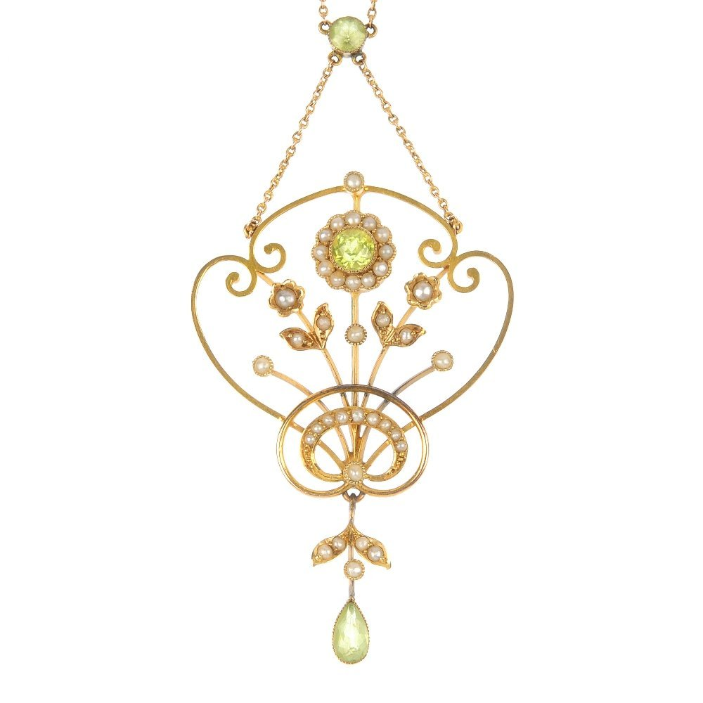 An early 20th century 9ct gold peridot and split pearl