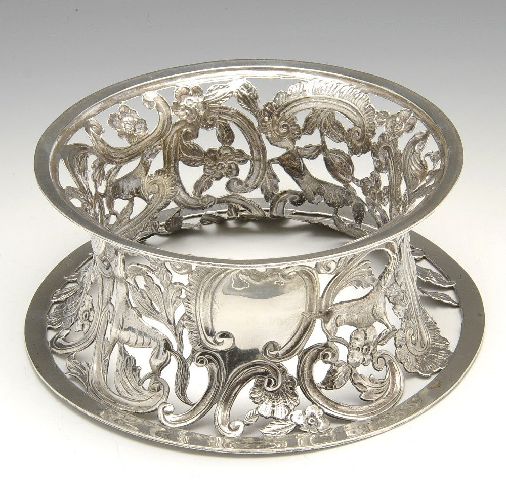 An Edwardian Irish silver dish ring.
