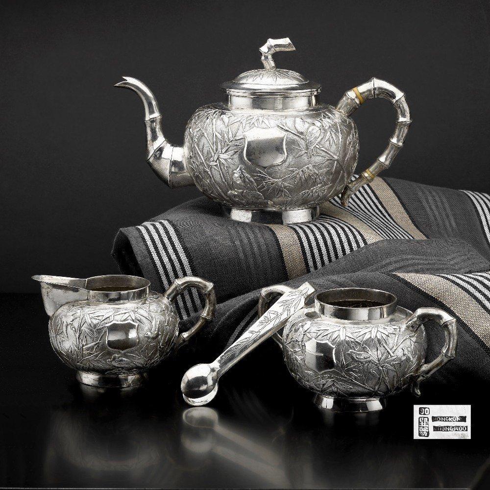 A Chinese export three piece tea service, CHONGWOO HONG