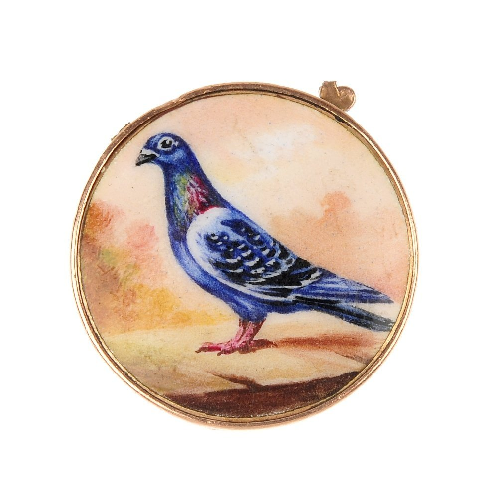 An early 20th century 9ct gold enamel stock dove