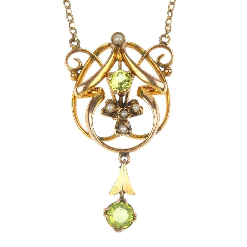 An early 20th century 9ct gold peridot pendant.