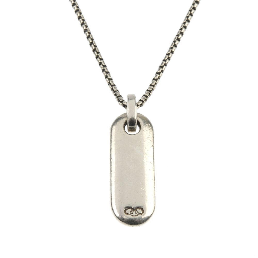 A Links of London silver pendant and a Hot Diamonds ban