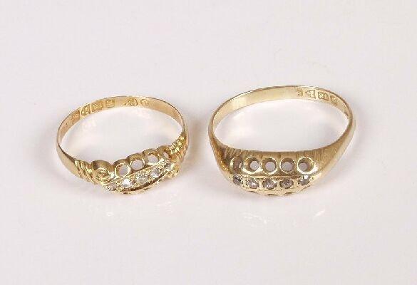 8: Two late Edwardian 18ct gold five stone di