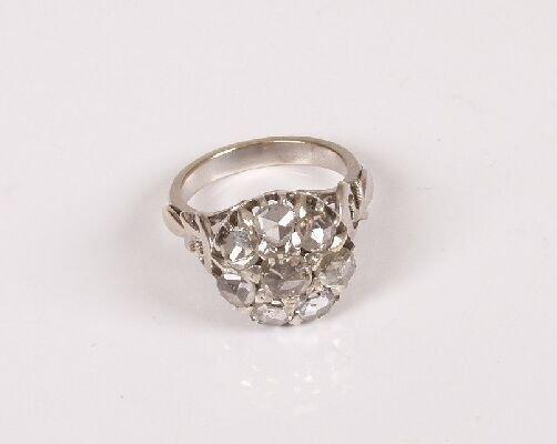 10: A rose cut diamond eight stone cluster ri