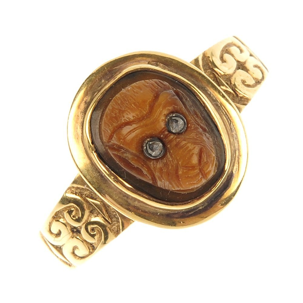 A mid Victorian 18ct gold carved jasper ring, circa