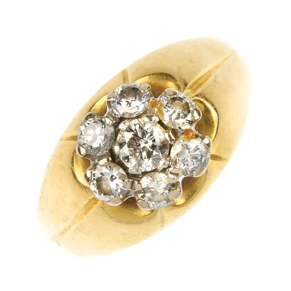 An 18ct gold diamond cluster ring.