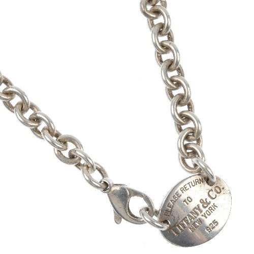 TIFFANY & CO. - a silver 'Return to Tiffany' necklace.