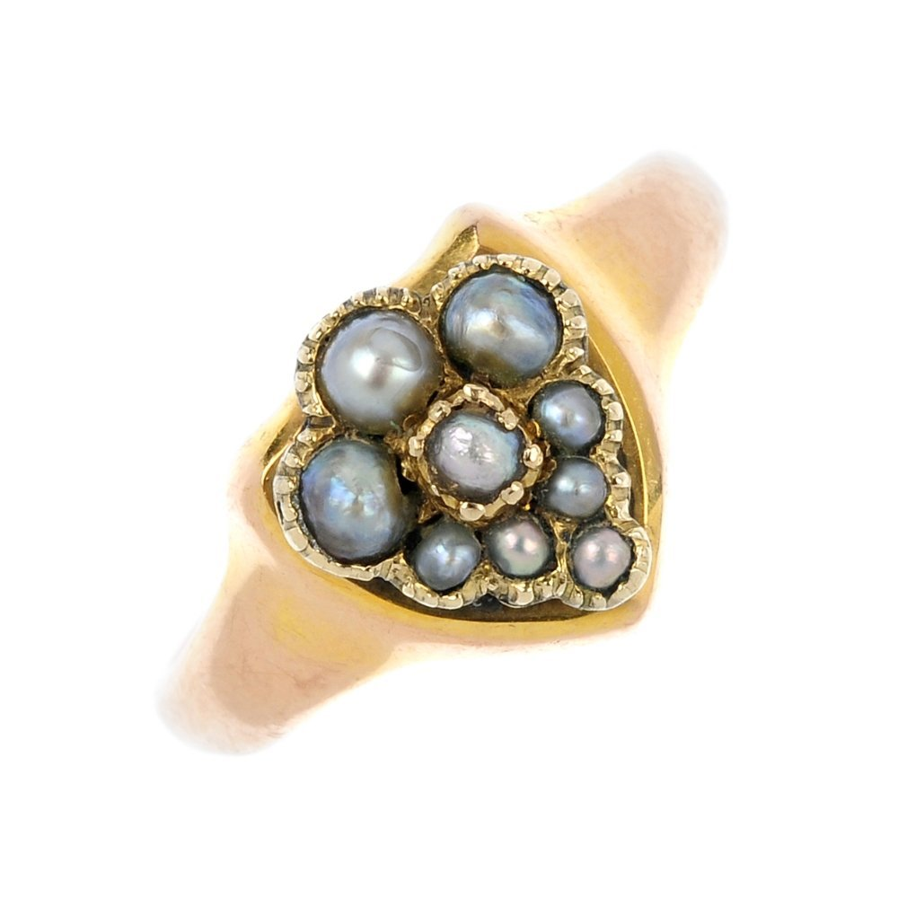 An early 20th century 9ct gold split pearl dress ring.