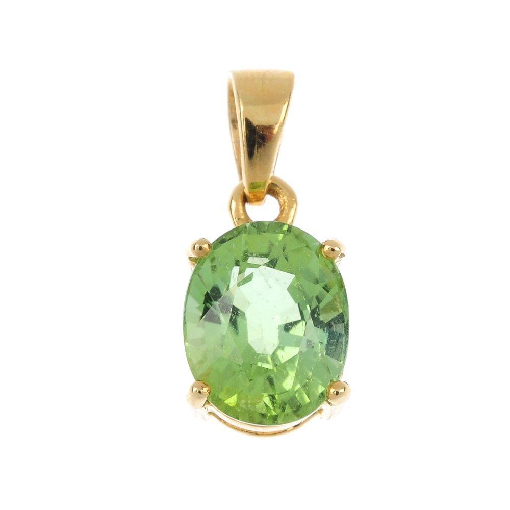 An 18ct gold tourmaline single-stone pendant.