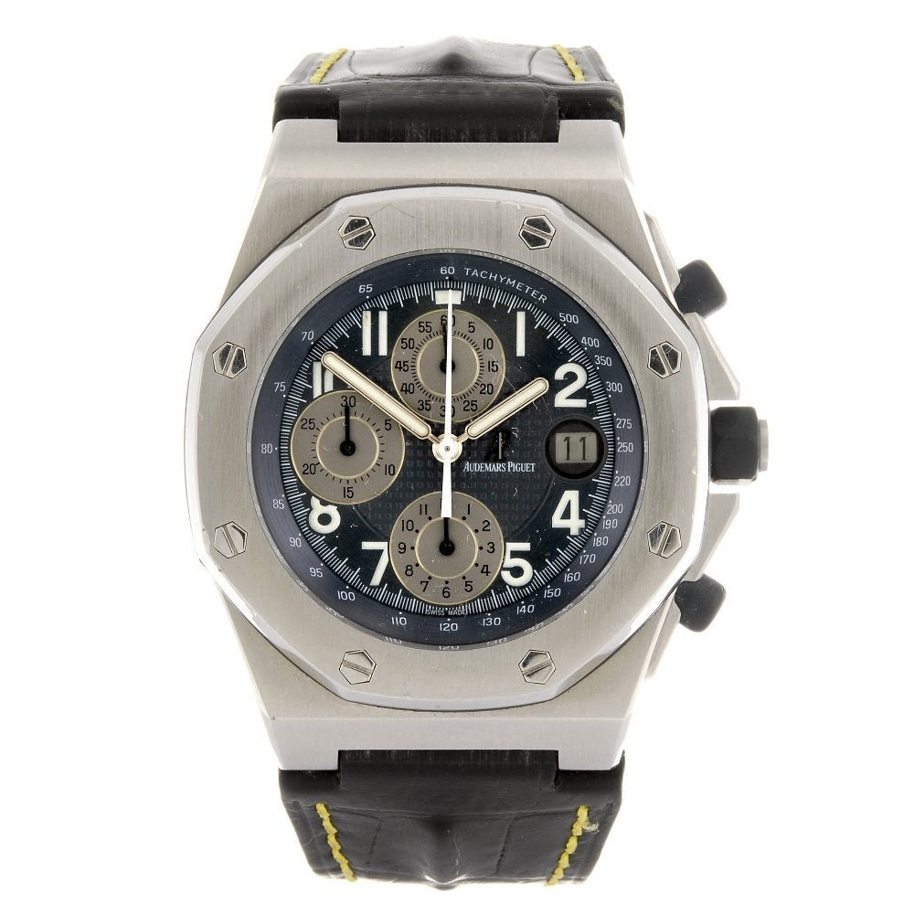 (307096294) A stainless steel automatic chronograph