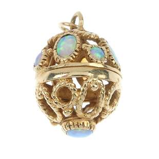 A 9ct gold synthetic opal pendant.