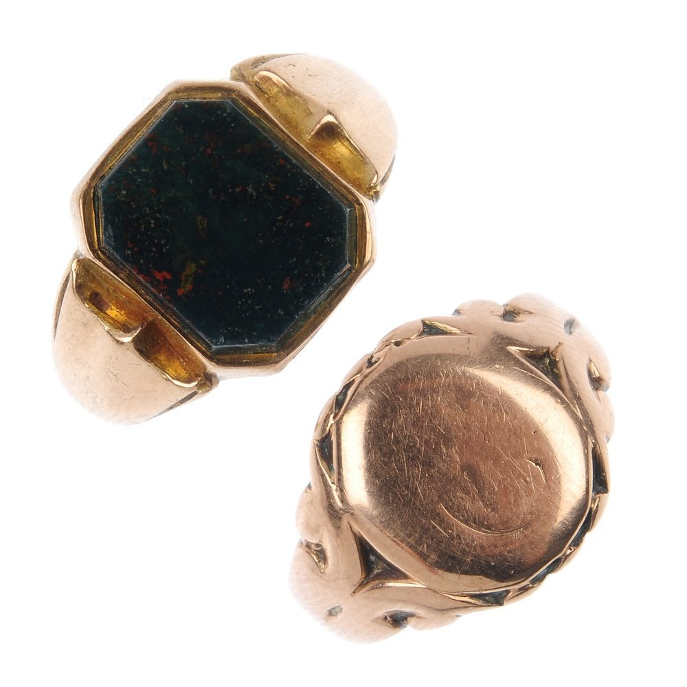 Two gentlemen's early 20th century 9ct gold signet