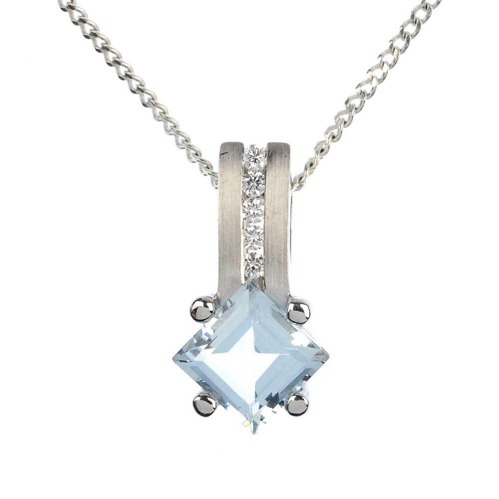 (122868) A suite of aquamarine and diamond jewellery