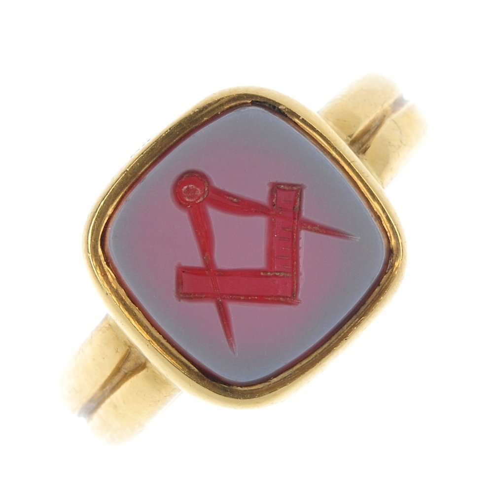An early 20th century 18ct gold Masonic seal ring.