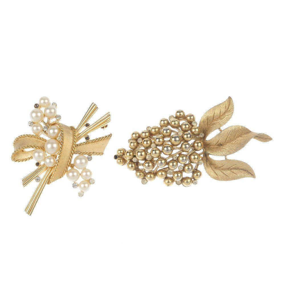 TRIFARI - ten items of jewellery.
