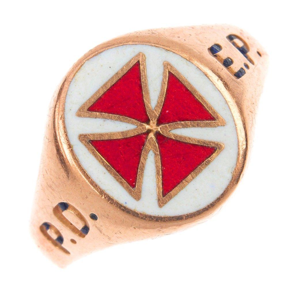 A 9ct gold Masonic Knights Templar enamel signet ring.