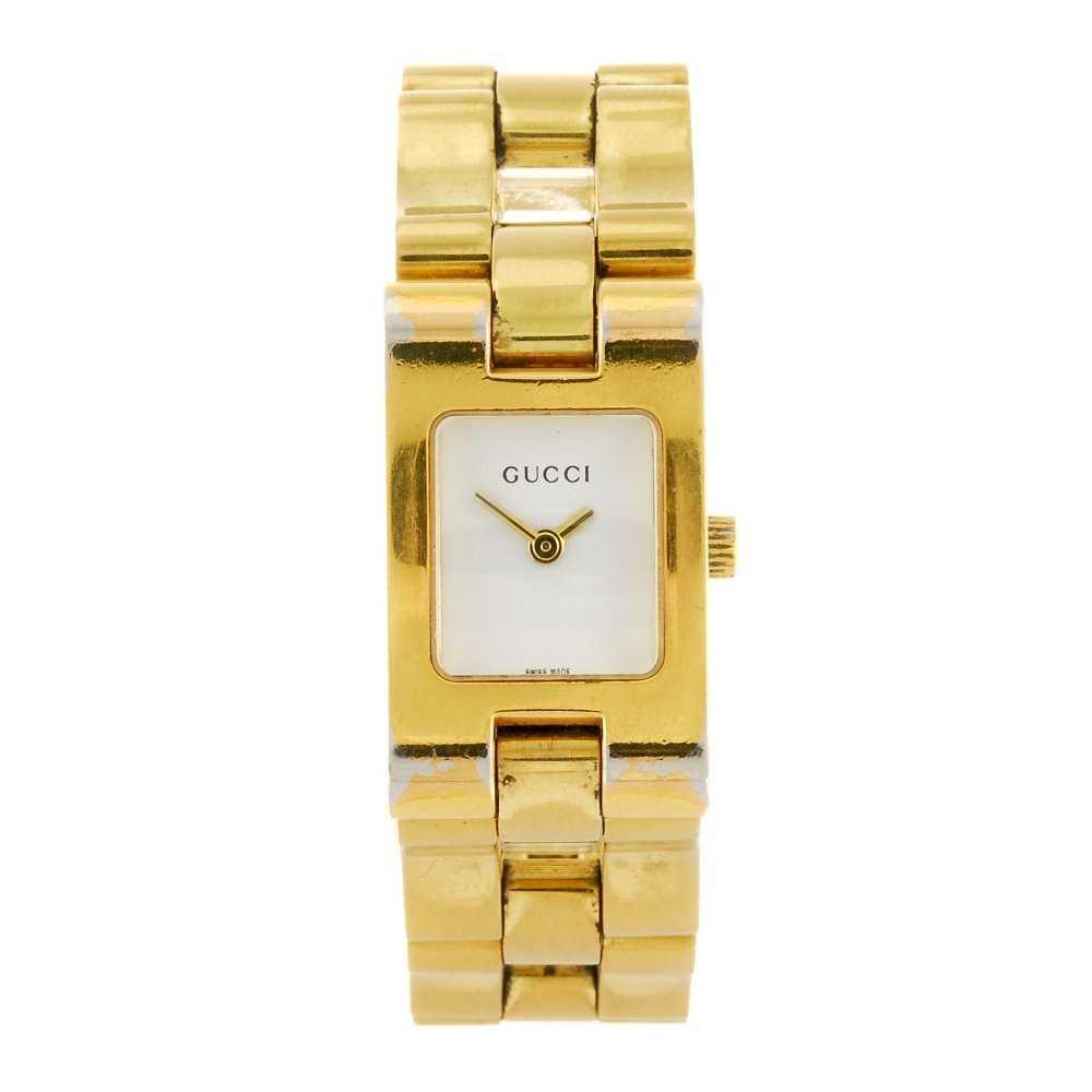 2a09556a9a1 GUCCI - a lady s 2305L bracelet watch.