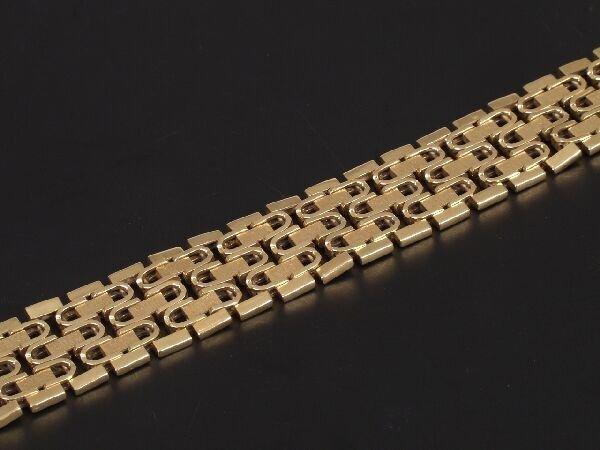 9: 1970's 18ct gold brick effect bracelet wit