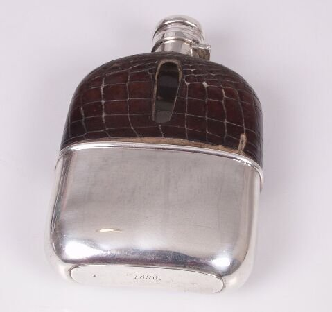 1005: Late Victorian mounted hip flask, semi