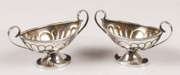 1019: Victorian pair of twin handled salts, o