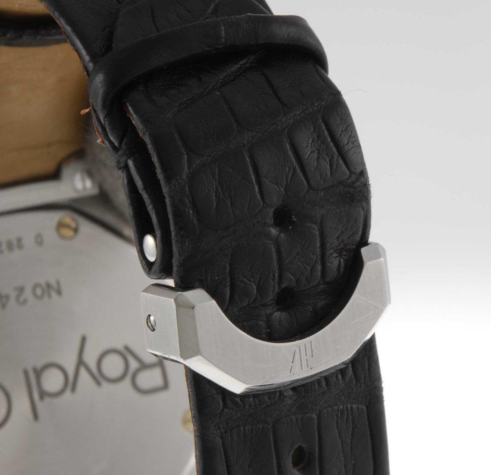 AUDEMARS PIGUET - a gentleman's Royal Oak wrist watch. - 4