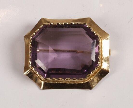 16: Scandinavian gold mounted rectangular purple paste