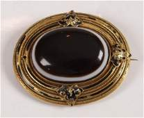 885 Victorian 18ct gold large oval memorial brooch wit