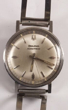 1020: BULOVA - a gentleman's late 1960's Accutron with