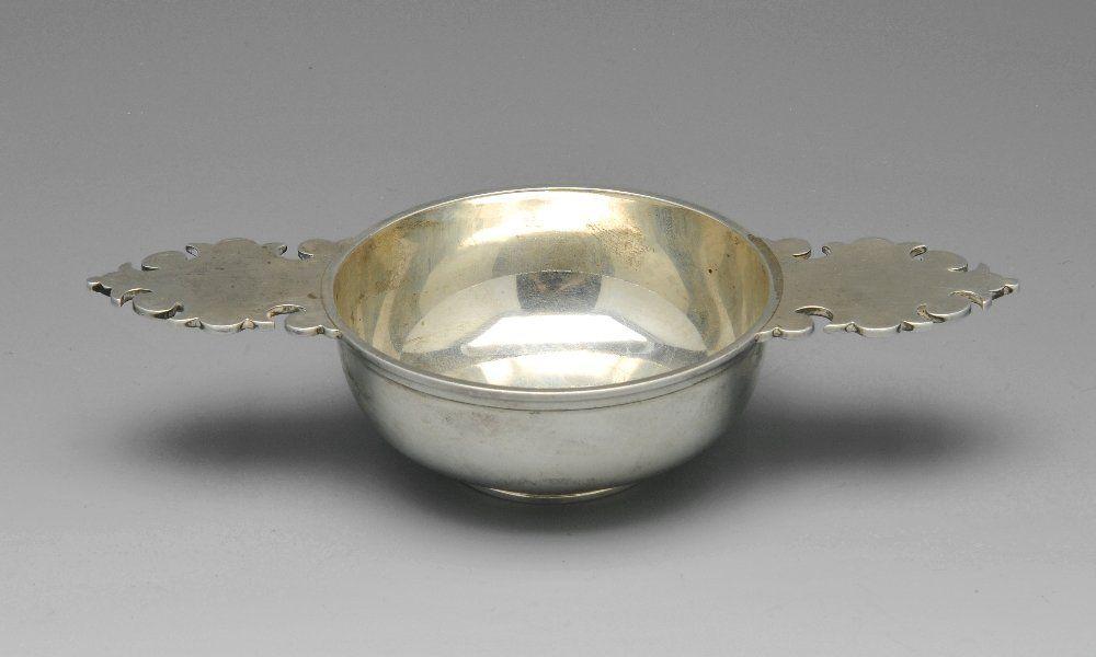A late Victorian silver Quaich.