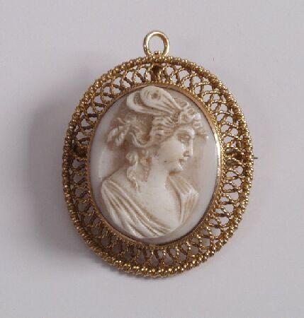 511: Edwardian 14K gold shell cameo pendant/brooch depi