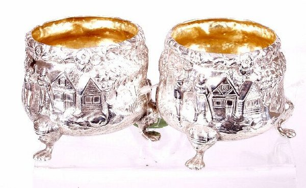 1002: Pair of Victorian open salts, of shaped circular