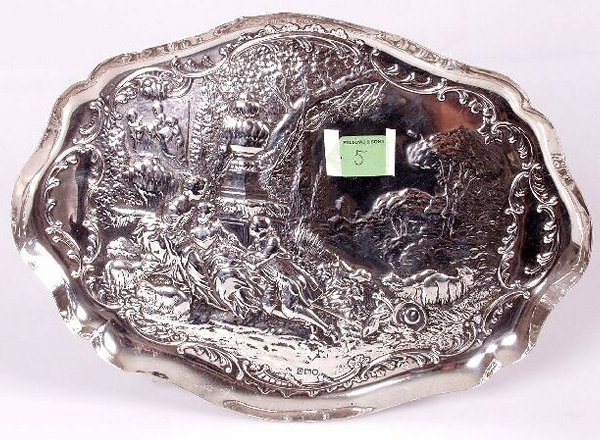 1005: Edwardian shaped oval tray, decorated with figure